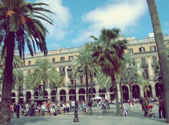 http://www.lasouriscoquette.com/wp-content/uploads/2013/05/barcelone6.jpg