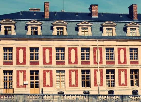 http://www.lasouriscoquette.com/wp-content/uploads/2013/05/versailles3.jpg