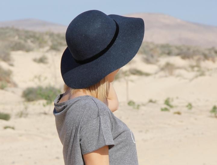 DESERT ROAD 28