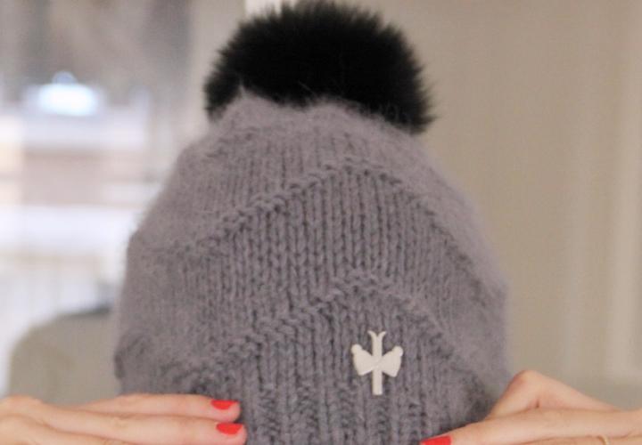 la-souris-coquette-blog-mode-pretty-little-things-bonnet-blue-melon-pompon3