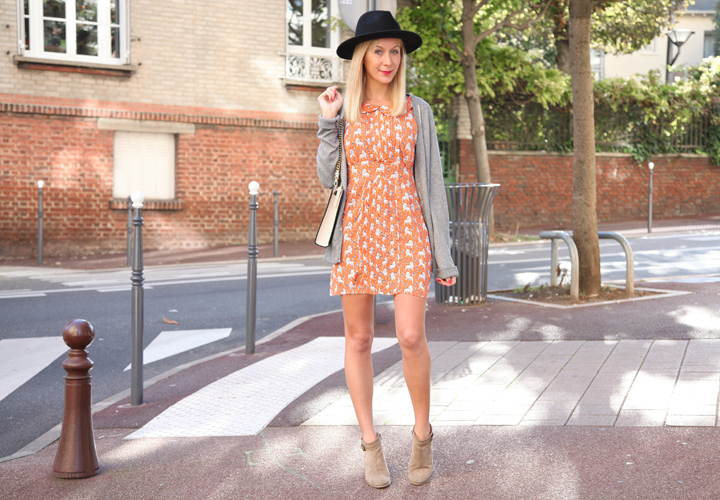 la-souris-coquette-blog-mode-robe-orange-lion-chapeau-minimum-4