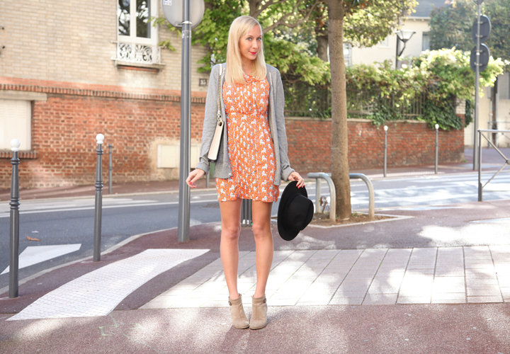 la-souris-coquette-blog-mode-robe-orange-lion-chapeau-minimum-8