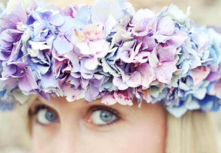 la-souris-coquette-blog-mode-DIY-couronne-de-fleurs-hortensia-161a