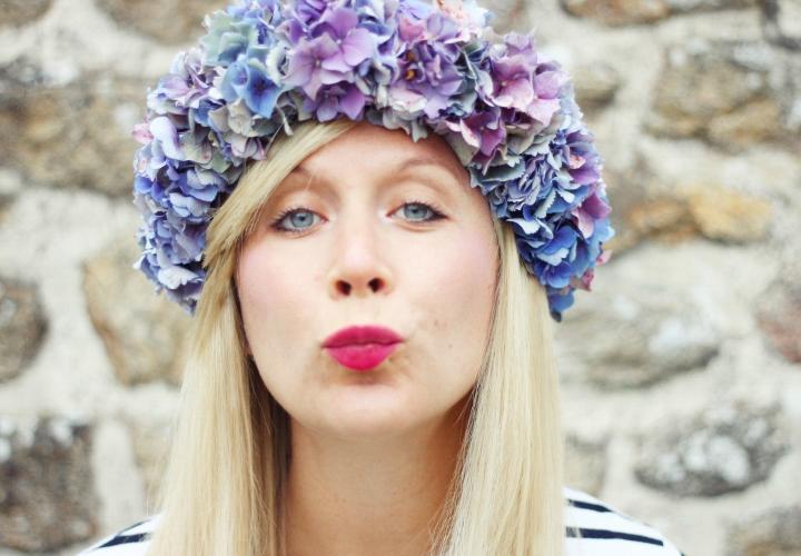 la-souris-coquette-blog-mode-DIY-couronne-de-fleurs-hortensia-18b