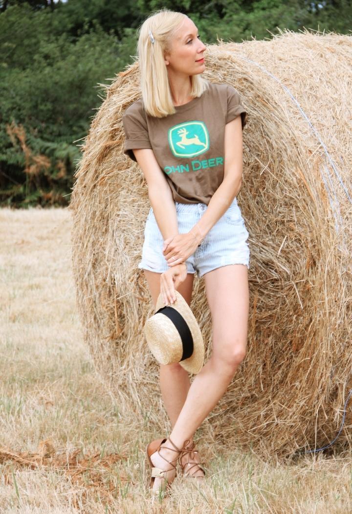 la-souris-coquette-blog-mode-champs-foin-paille-john-deere-countryside-boho-1