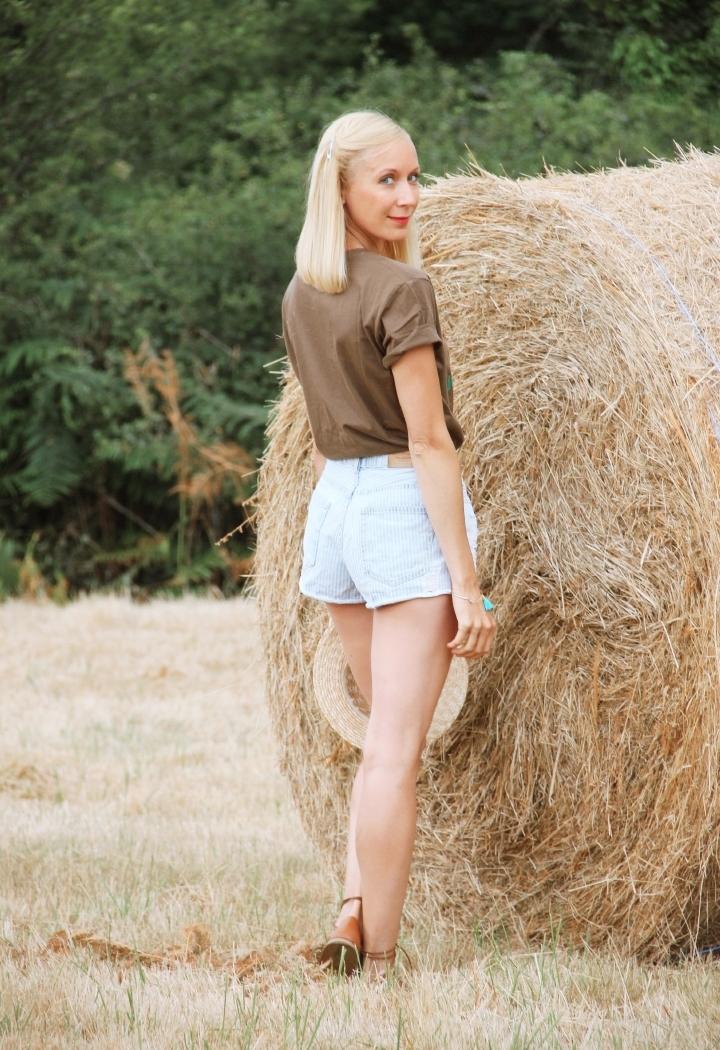 la-souris-coquette-blog-mode-champs-foin-paille-john-deere-countryside-boho-2